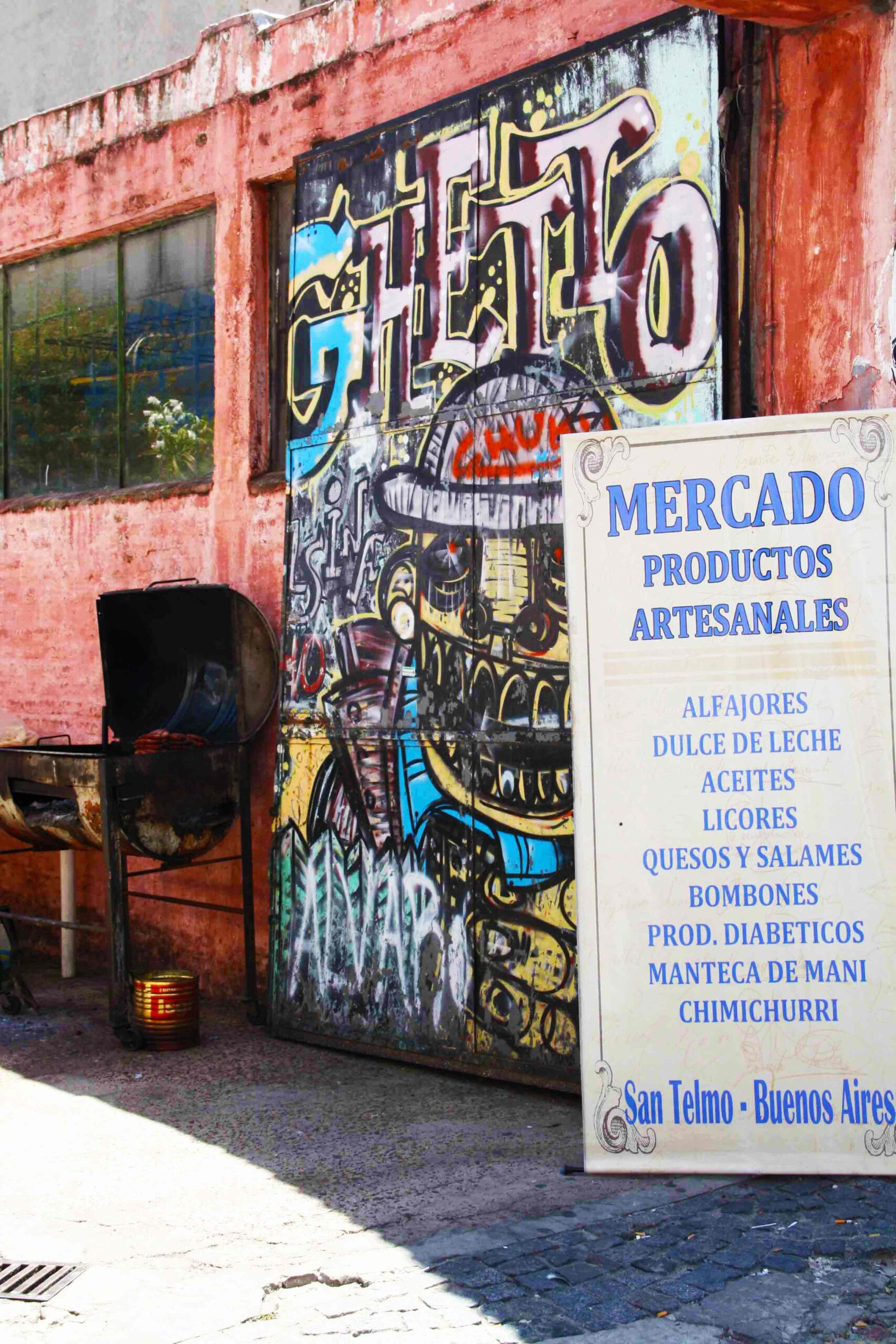 Mercado sign on streets of Buenos Aires