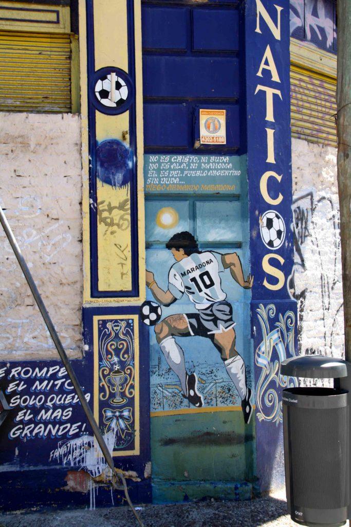 Street art maradona buenos aires
