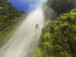 repelling waterfalls pucon