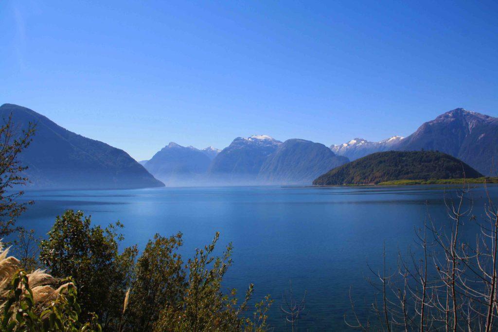 mountain lake view carretera austral