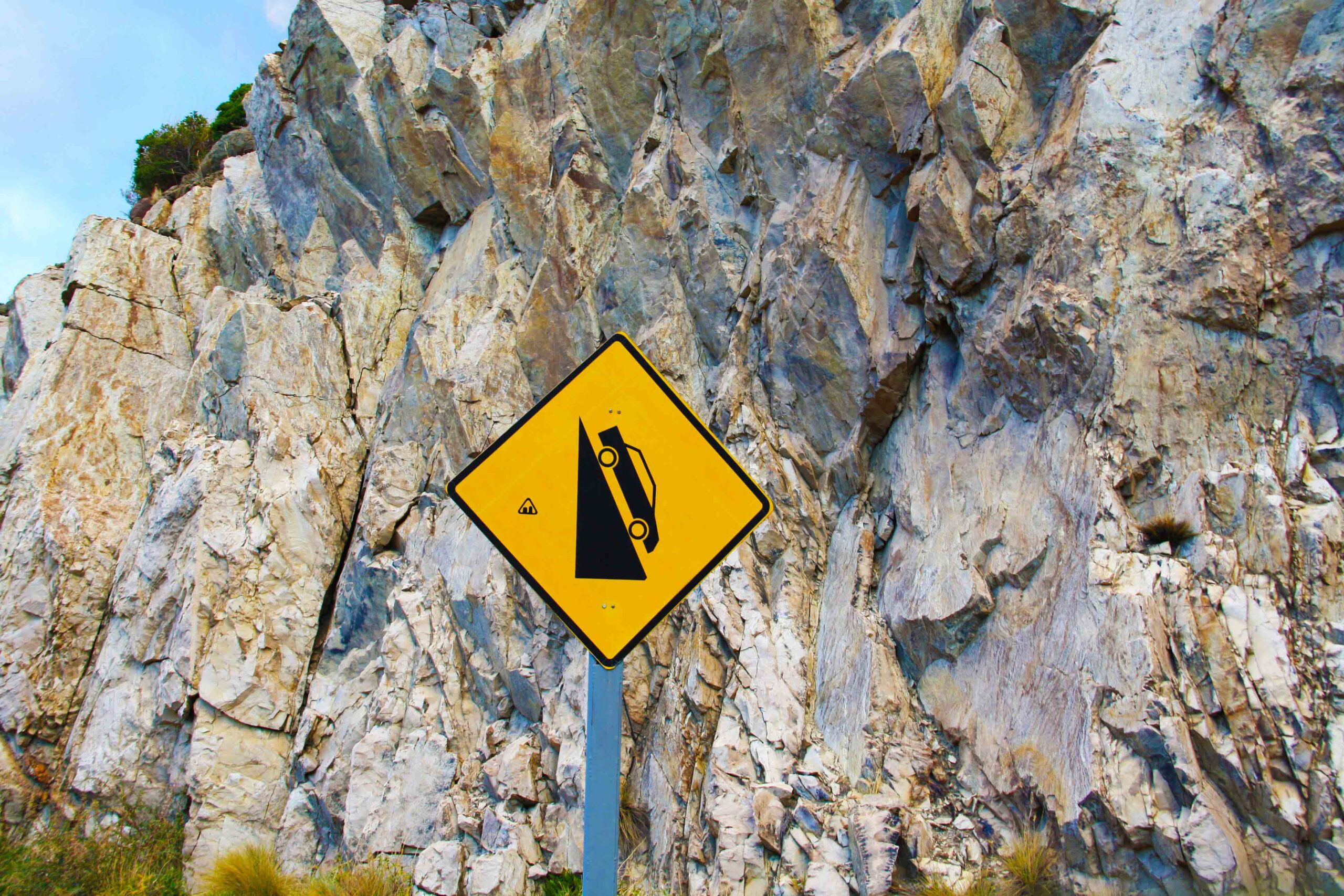 Steep decline road sign on the Carretera Austral Chile
