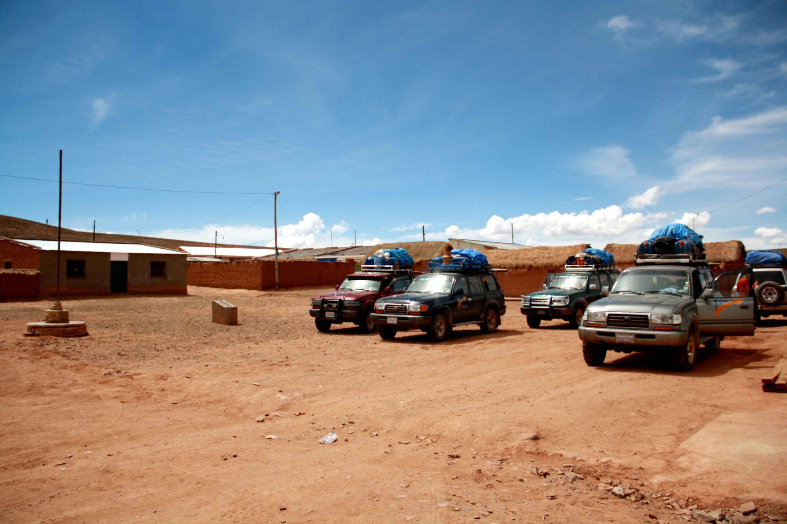 4x4's tupiza uyuni de salar tour village
