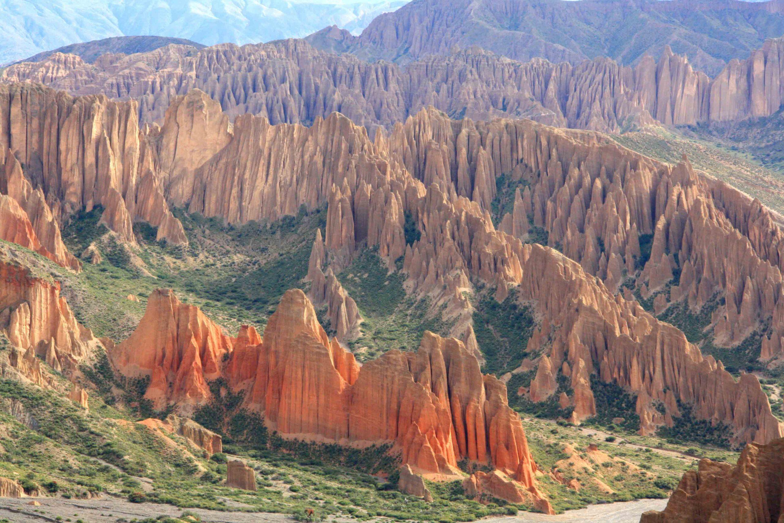 colored mountains tupiza uyuni salt flats tour