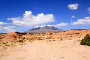orange rocks vulcano desert uyuni tour