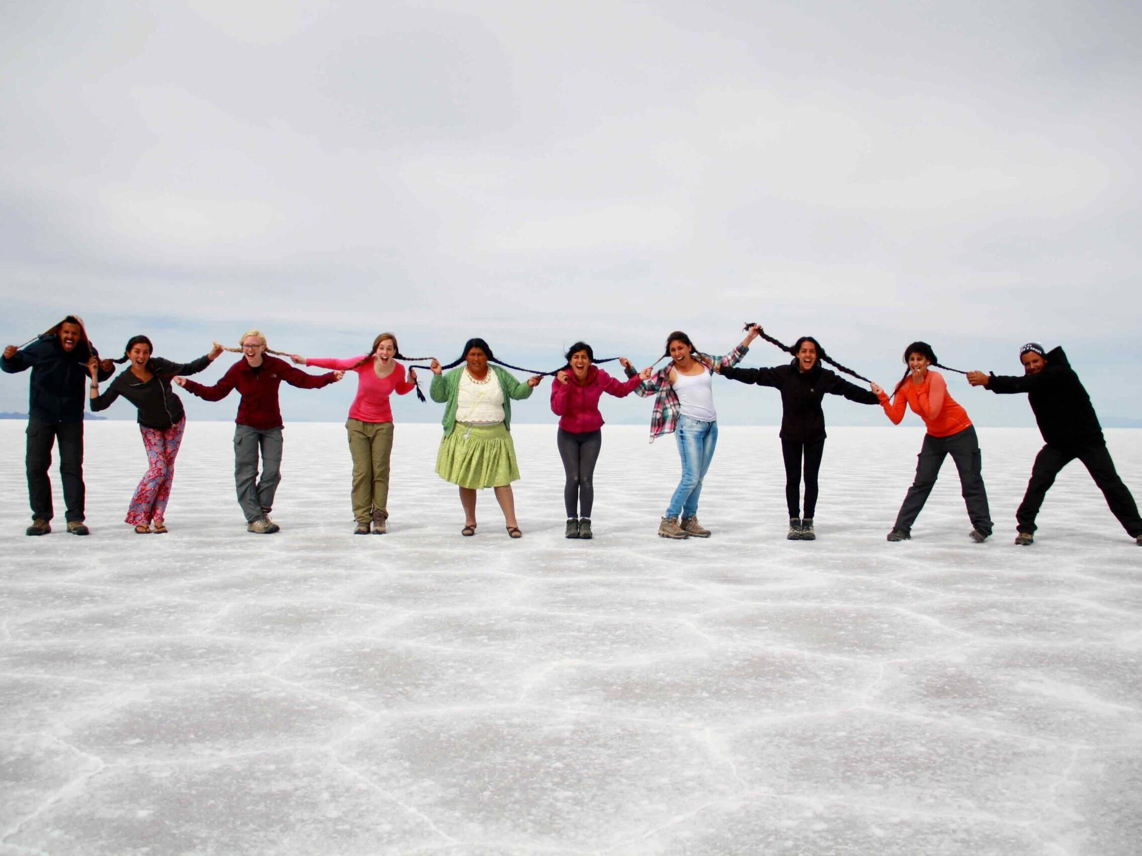 tour group salt flats uyuni bolivia