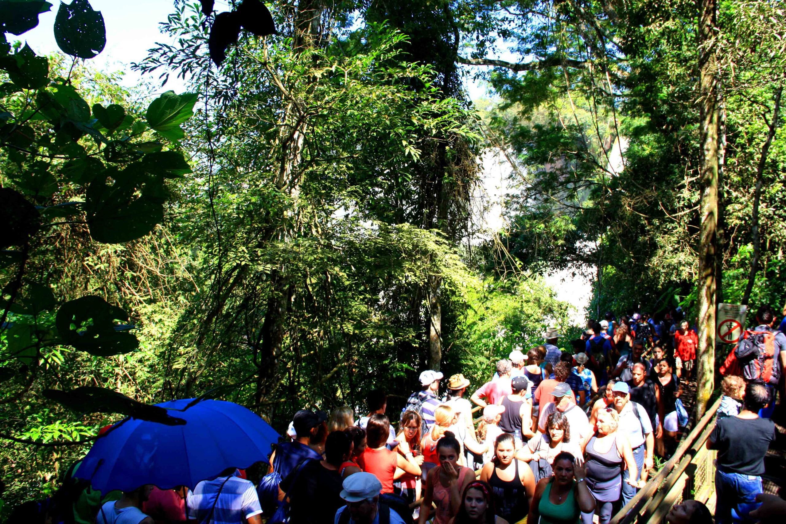 crowd iguazu falls national park semana santa