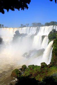 waterfalls wall iguazu