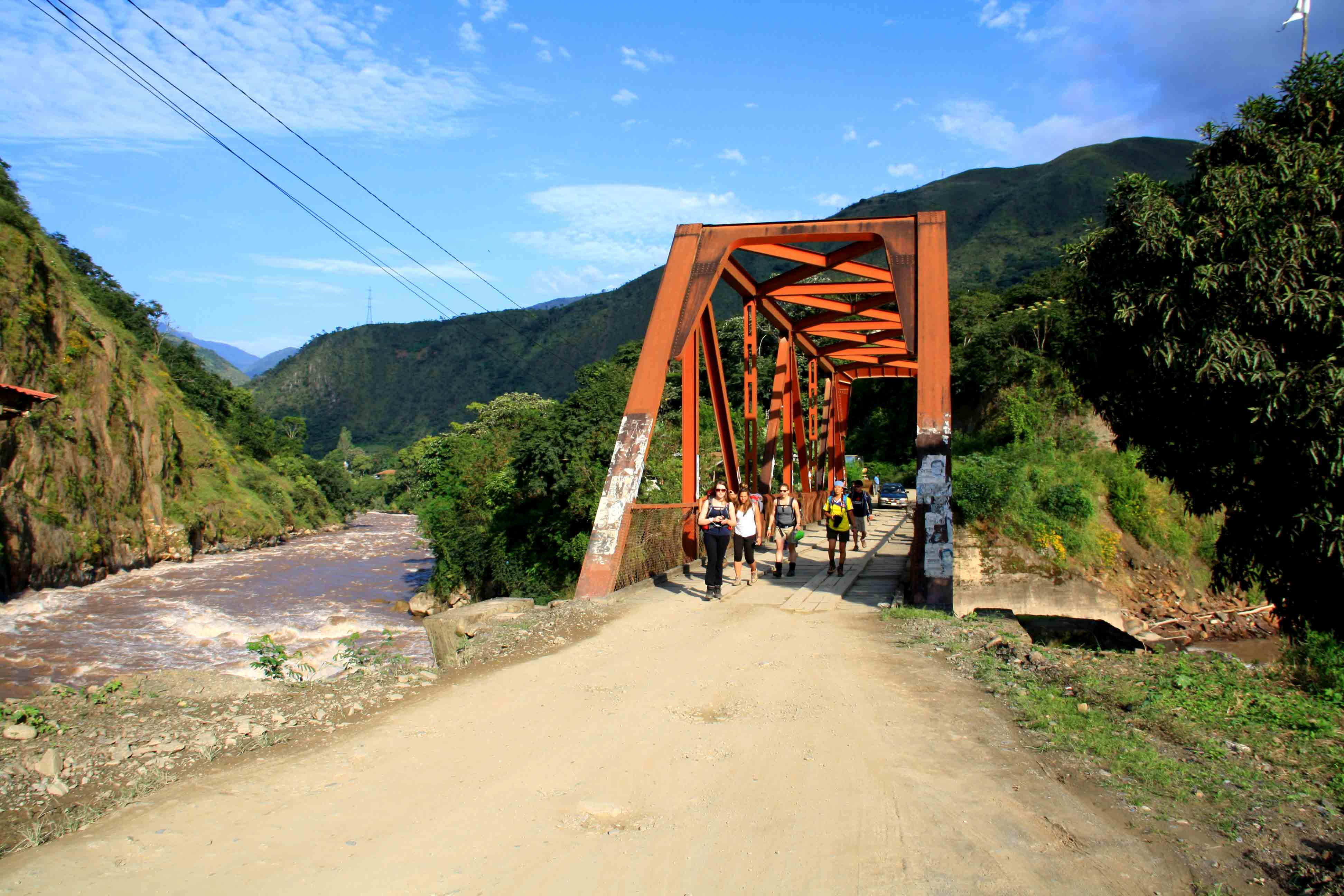 hiking inca jungle trail
