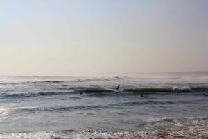 surfing waves peru