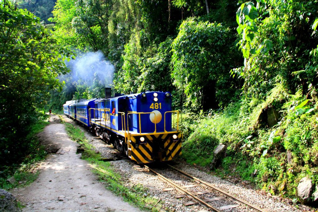 train peru machu picchu