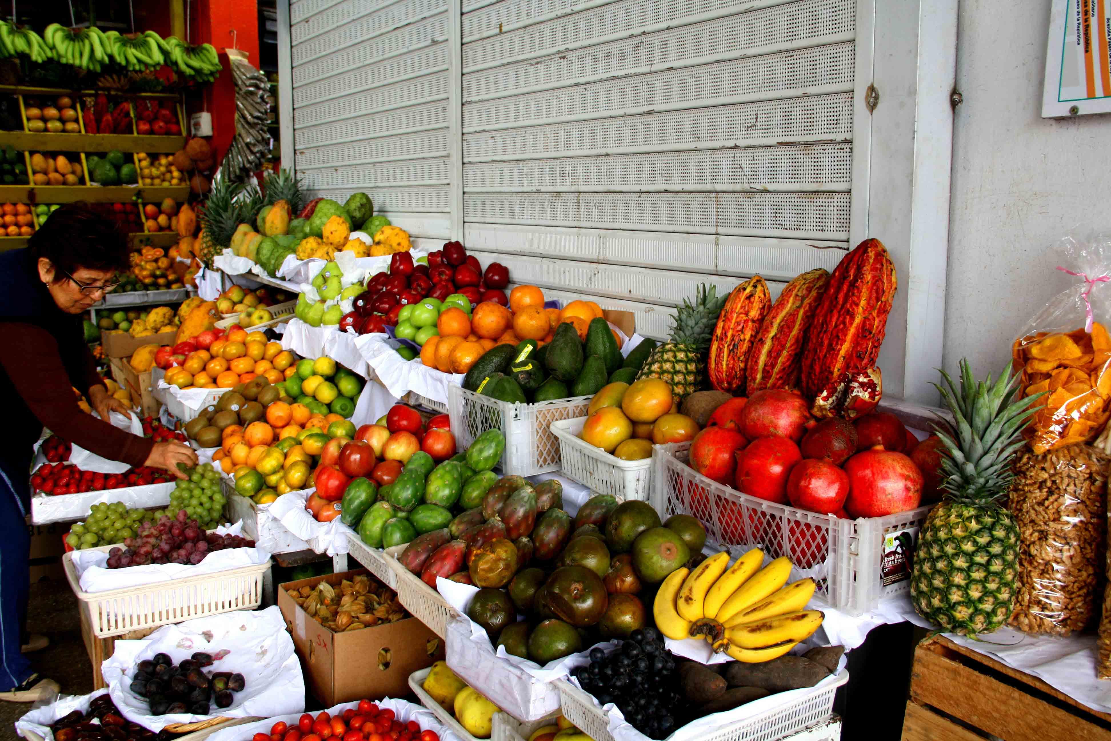 fruit market lima