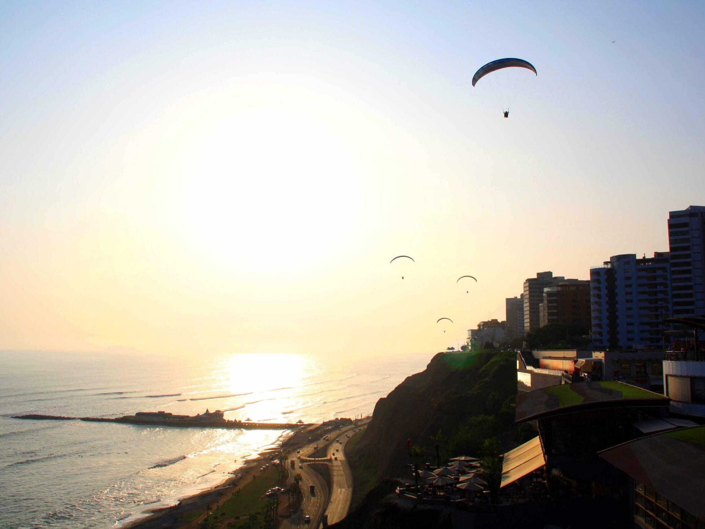 view mangos lima paragliding cliffs
