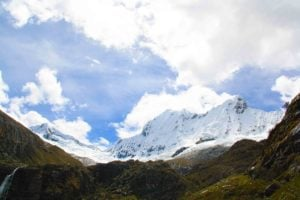snowcapped mountains of the cordillera blanca