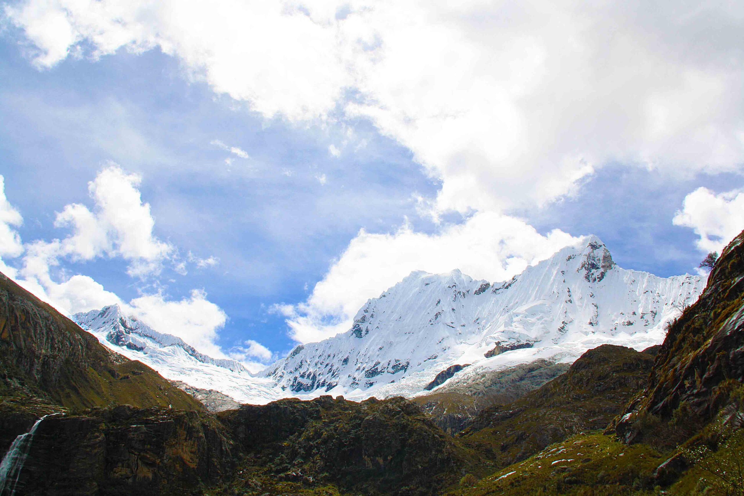 snowcapped mountains of the cordillera blanca