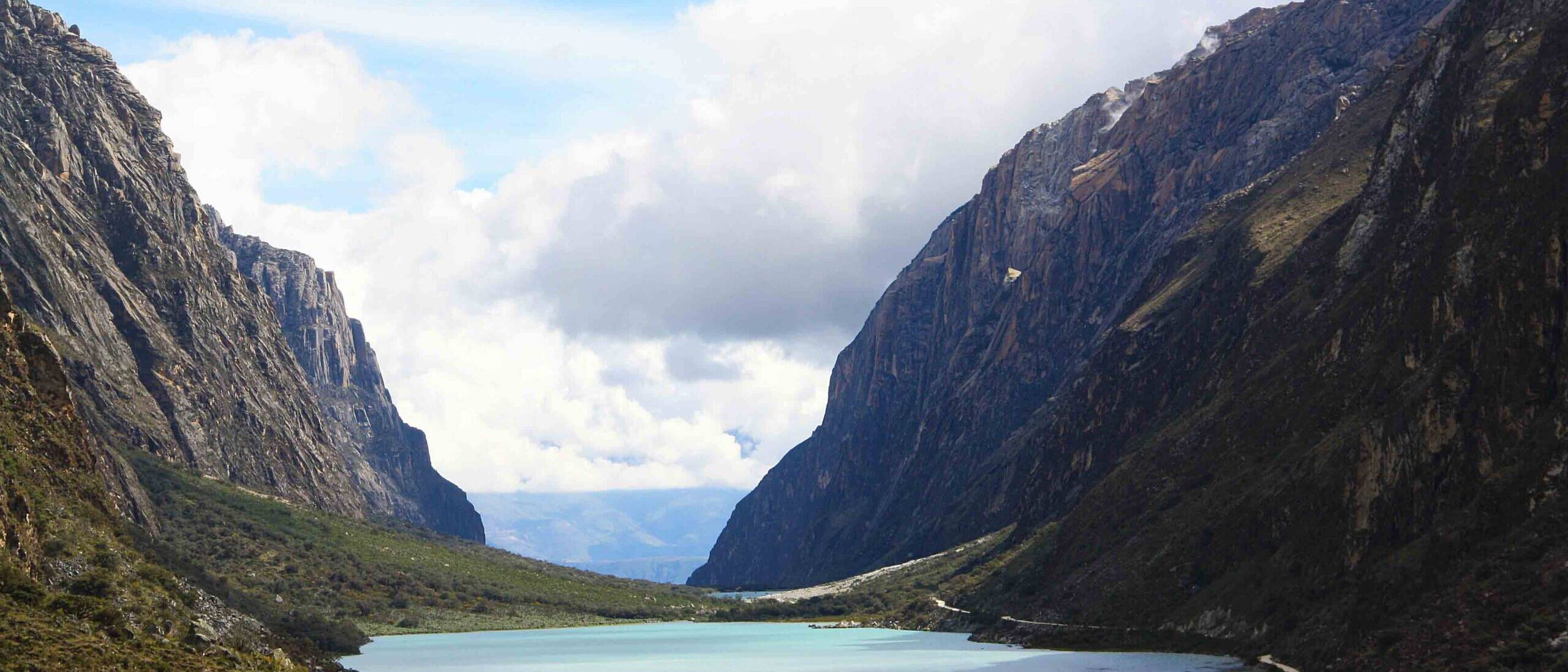 lake and mountains of the cordillera blanca