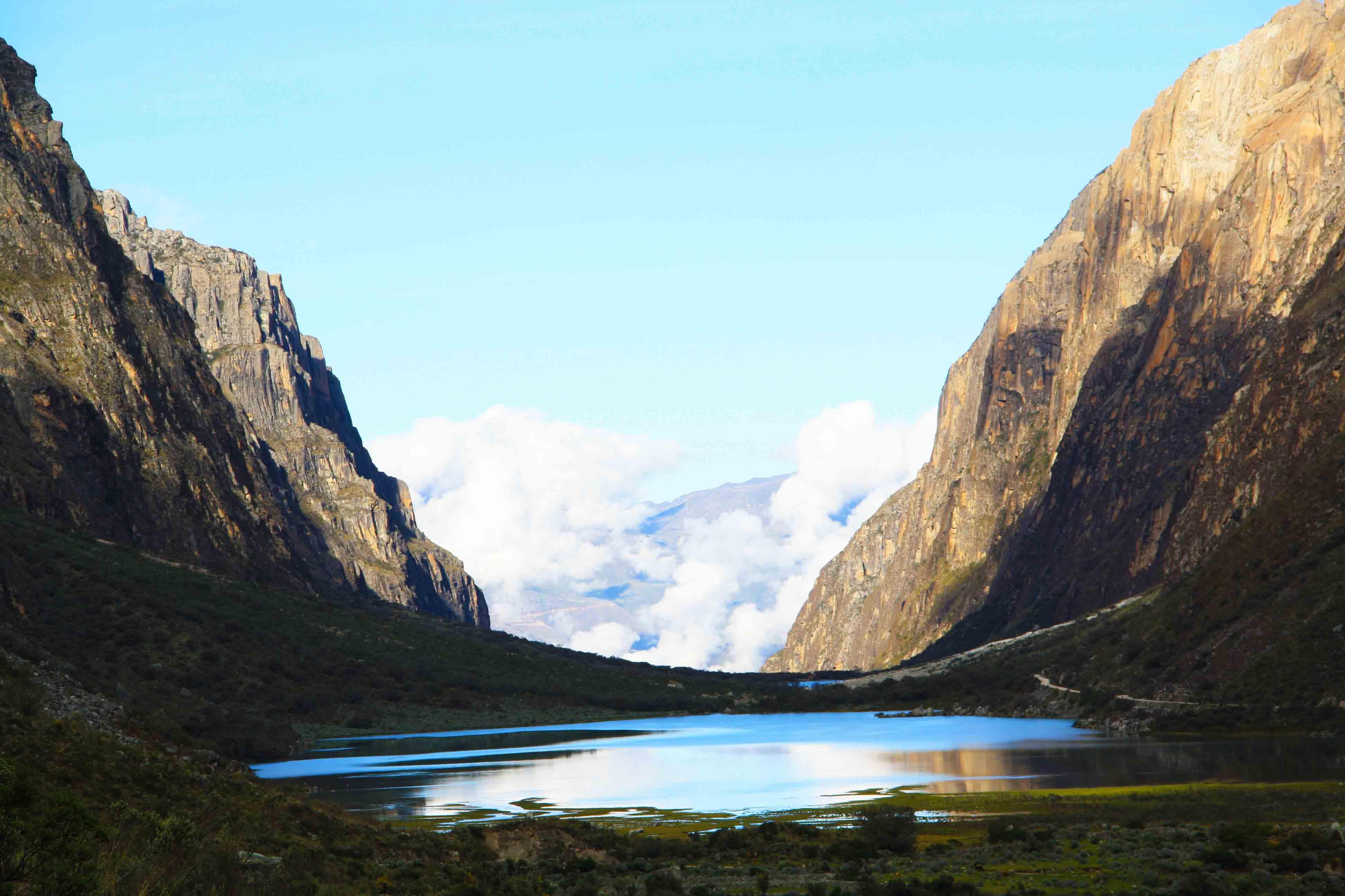 lake view of the cordillera blanca