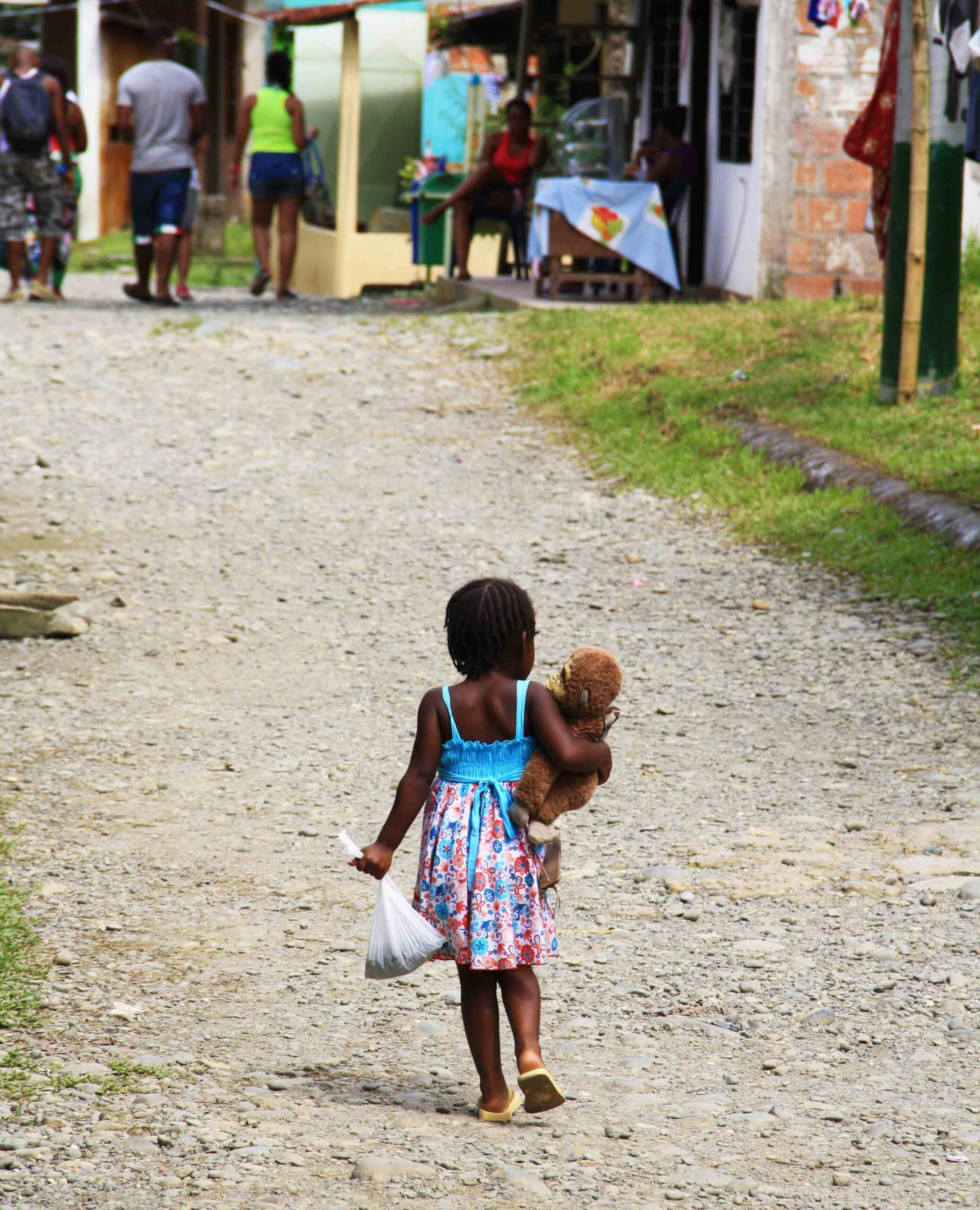 little girl in San Cipriano Colombia