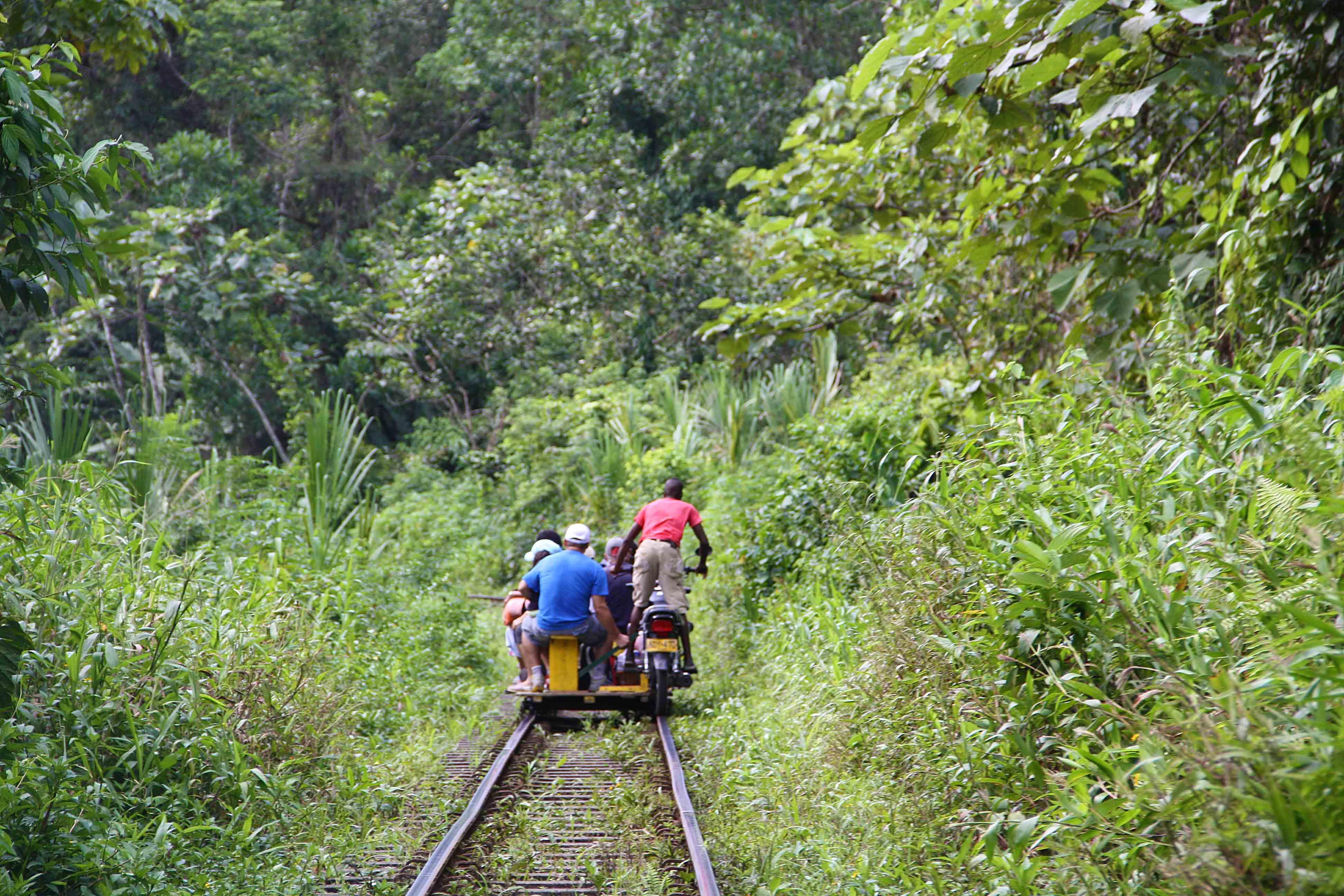 moto train jungle colombia