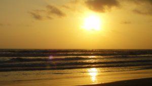 sunset montanita beach