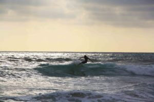 Sunset surfing montanita