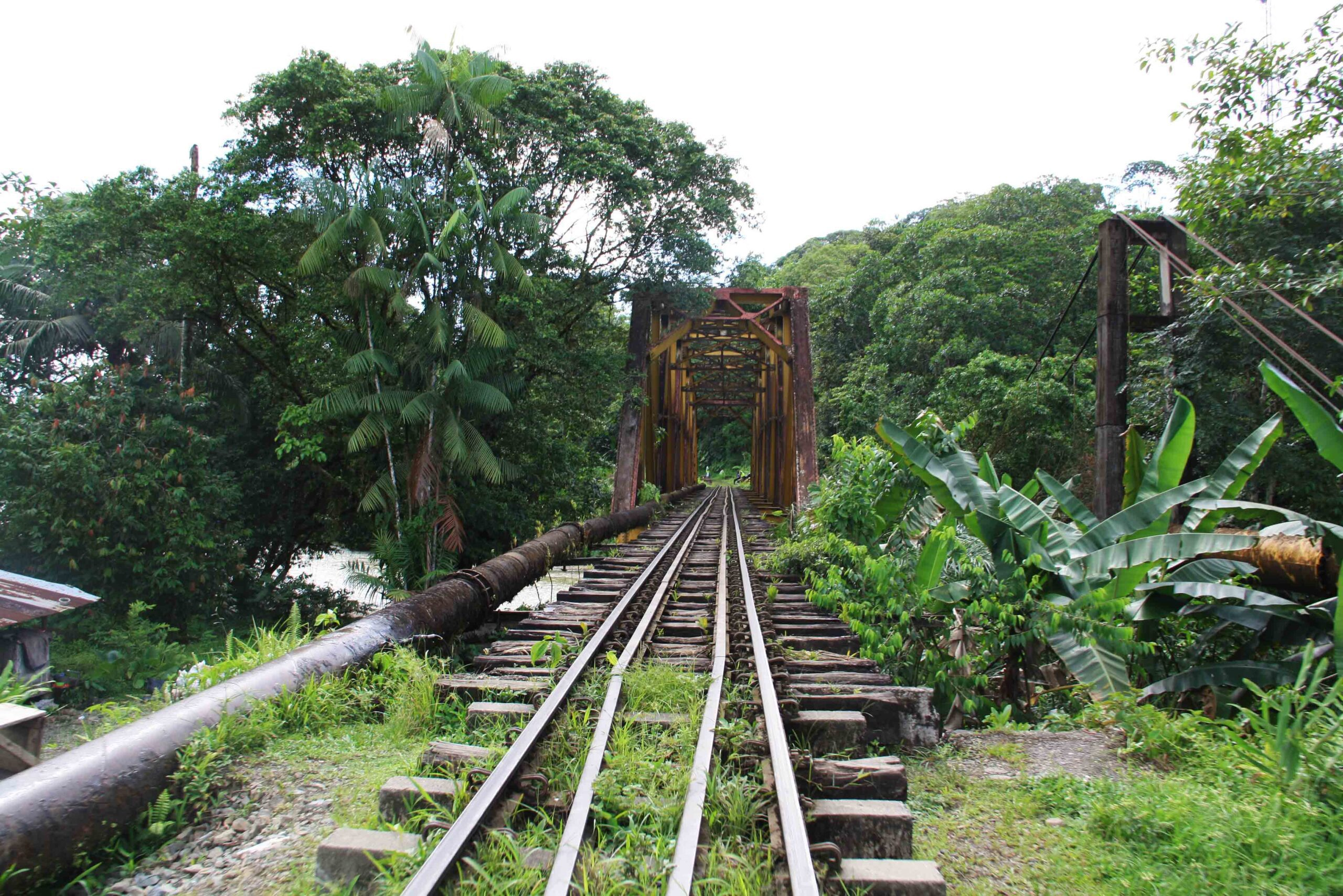 train rails San Cipriano Colombia