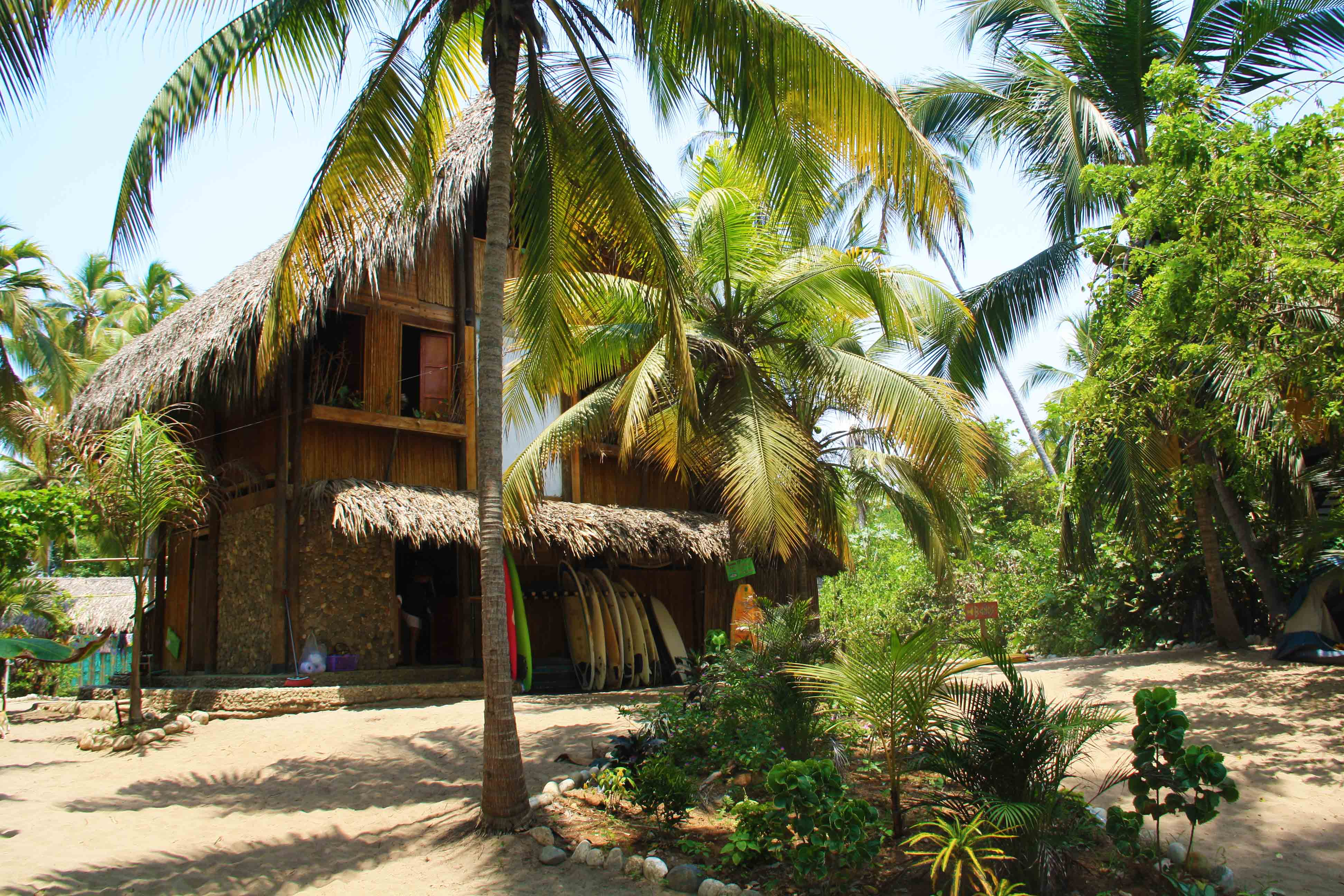 accomodation_costeno_beach_surf_camp