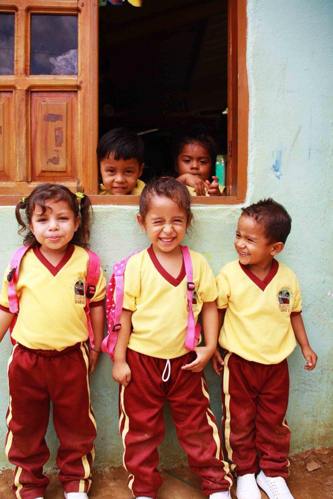 Kids at the elementary school at Mi Casa en Ipauratu