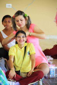 girl makeup at Mi Casa en Ipauratu