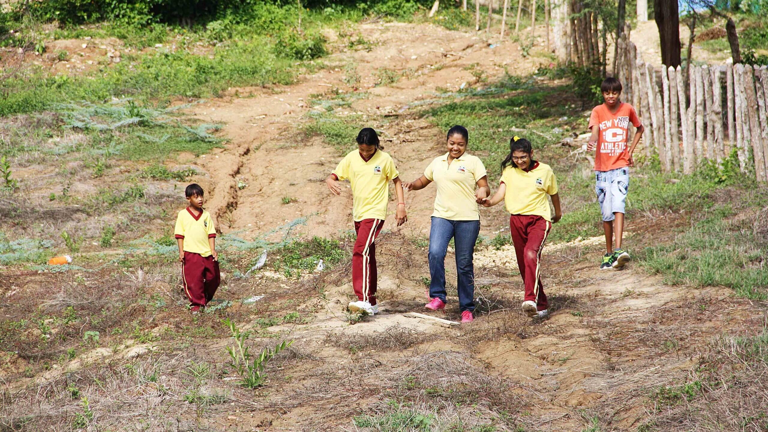 playing games at school at Mi casa en Ipauratu