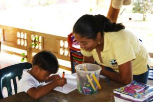 Teacher school Mi Casa en Ipauratu Colombia