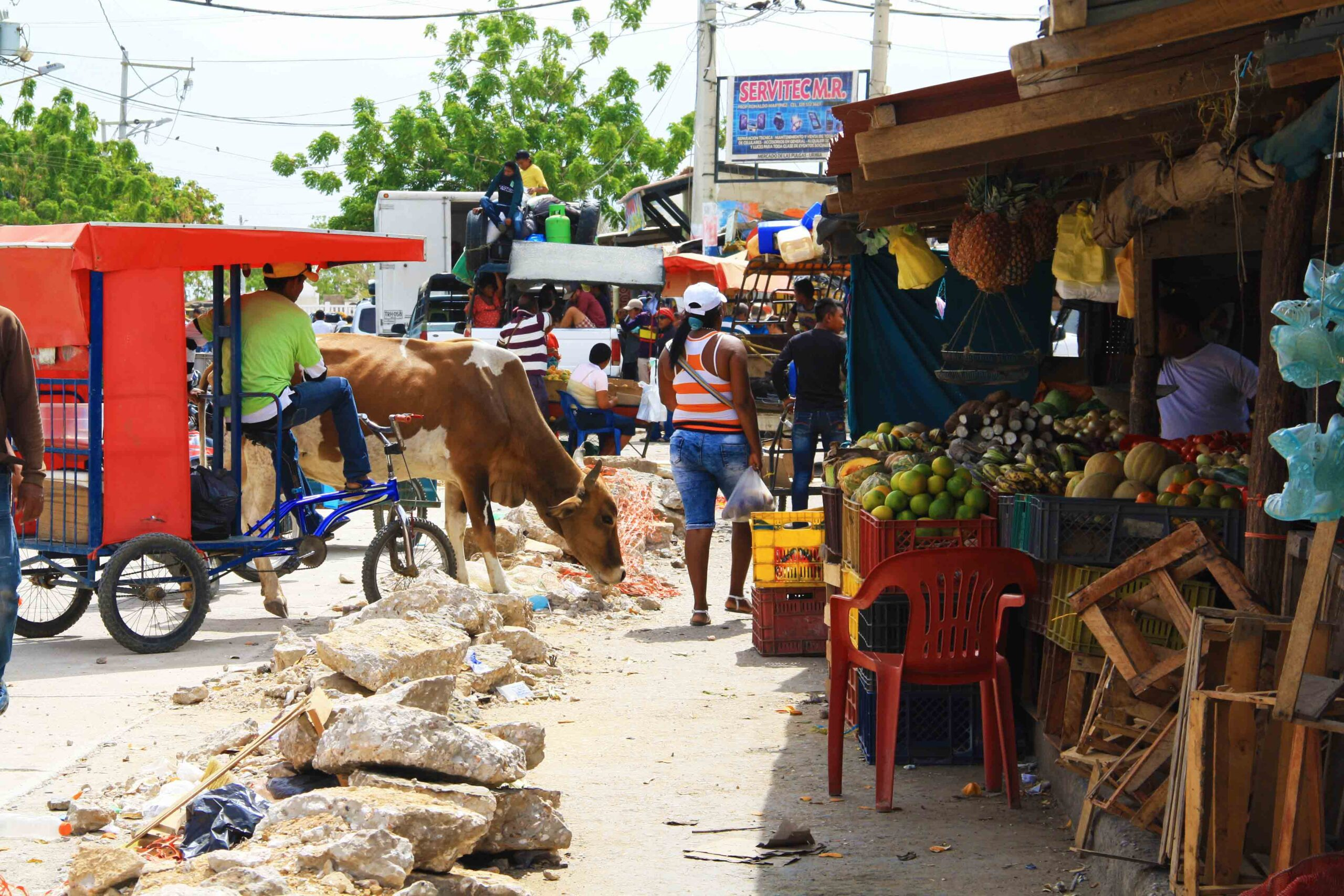 Chaos at the market of Uribia