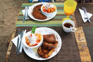 breakfast at la Sirena in Palomino Colombia