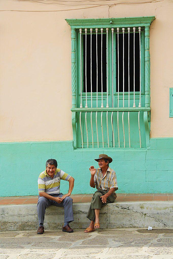 local men in the streets of Curiti