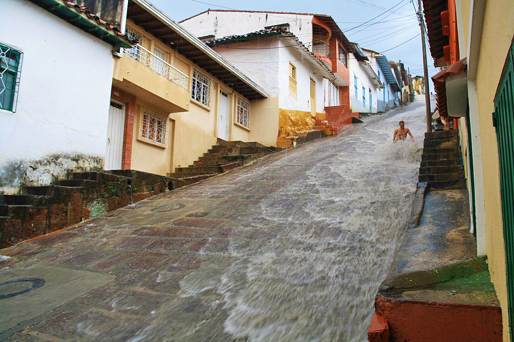 Rain in the streets of San Gil