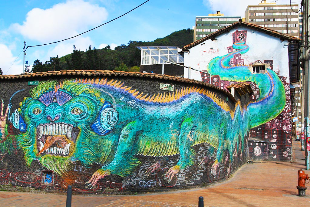 street art tour downtown bogotá colombia