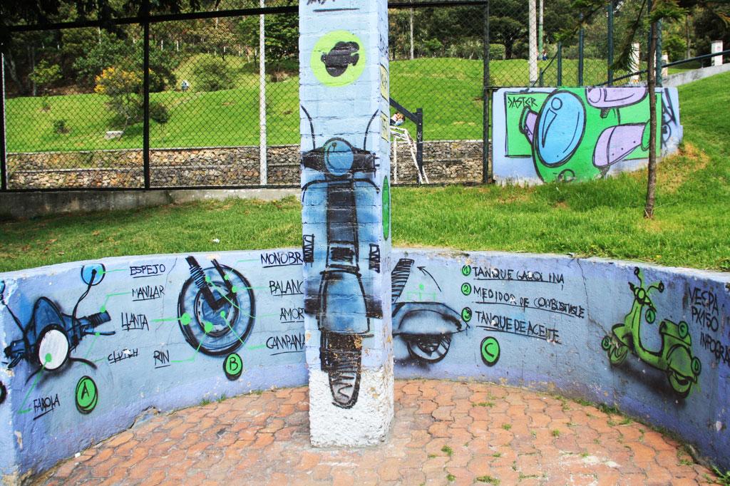 vespa street art tour bogotá
