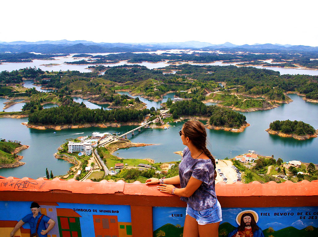bay of islands in guatape monolith la piedra el penol