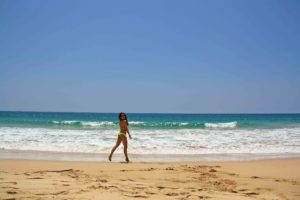 beach talalla ocean sri lanka