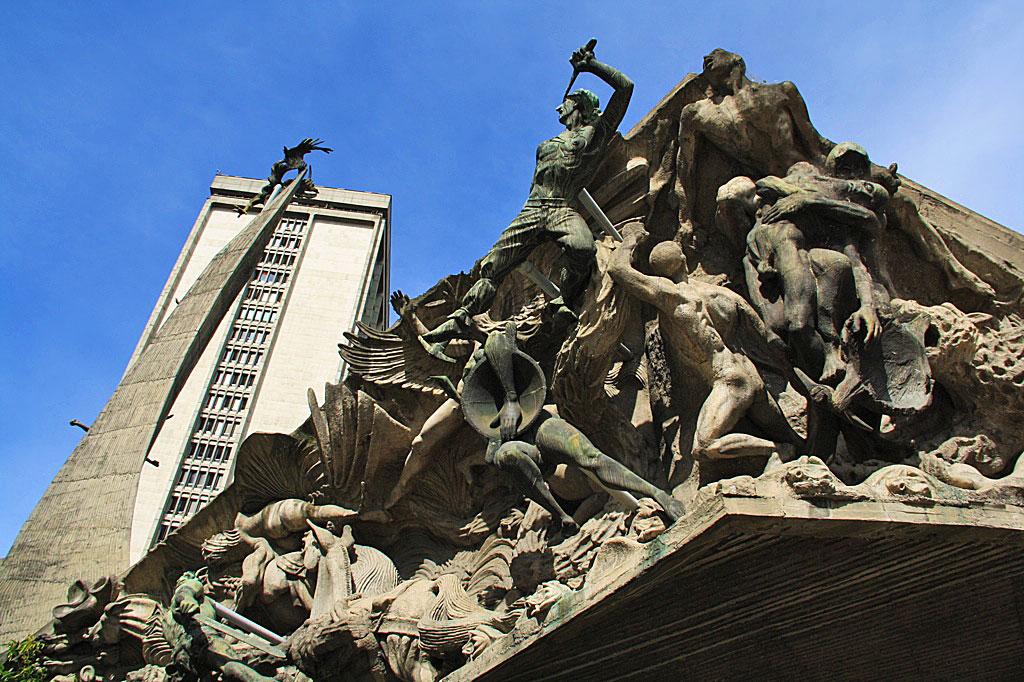 Dante inferno statue medellin
