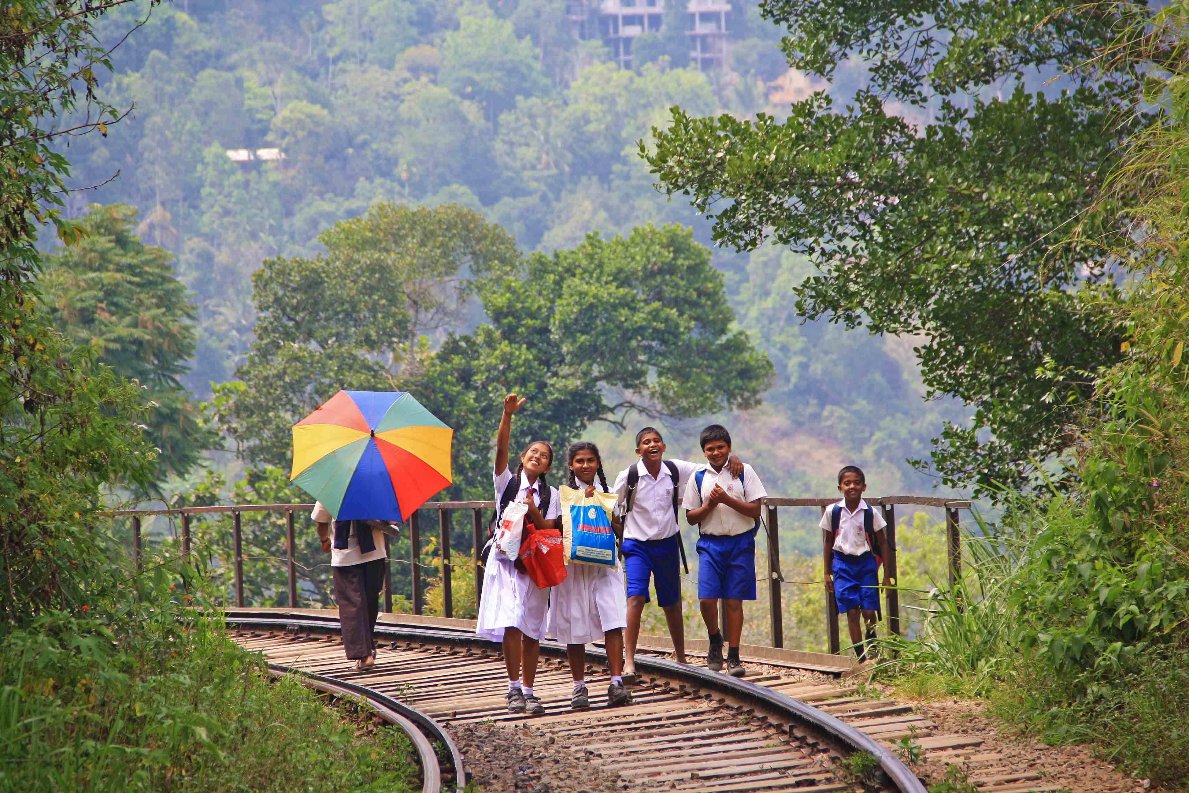 kids train rails trekking ella rock sri lanka