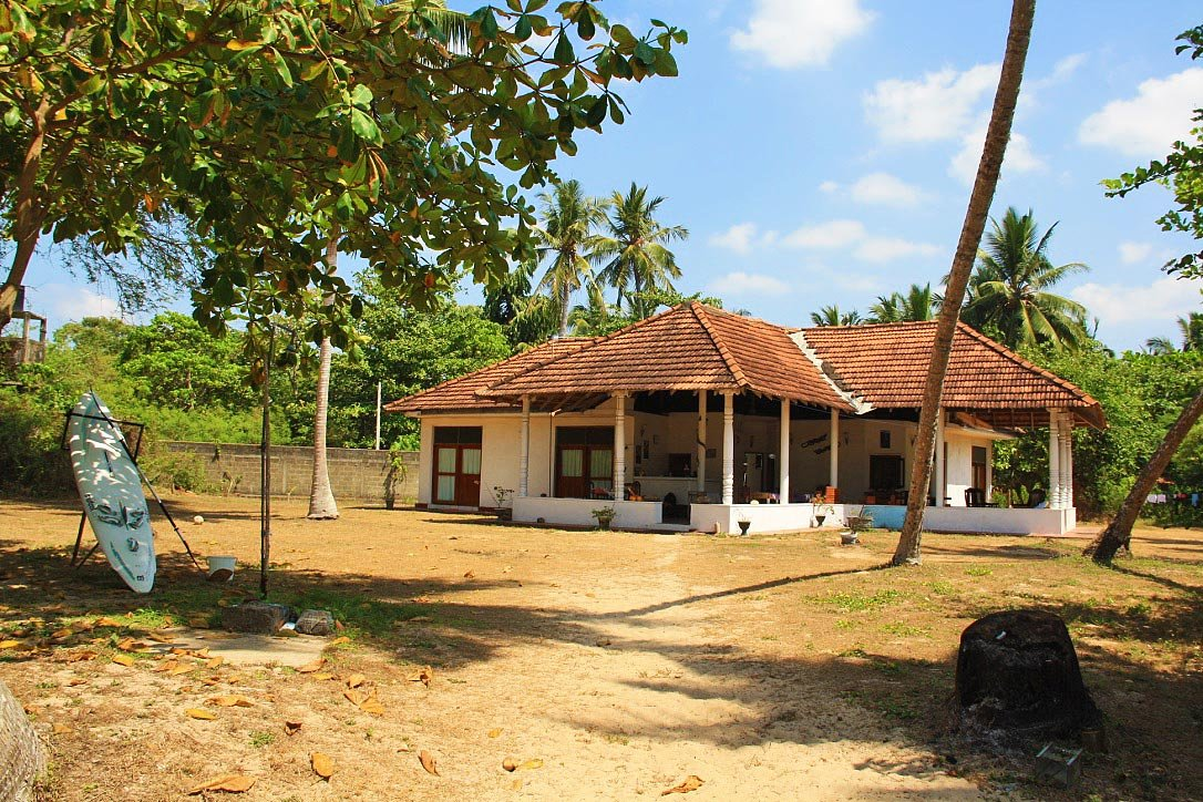 talalla beach bungalows accommodation sri lanka