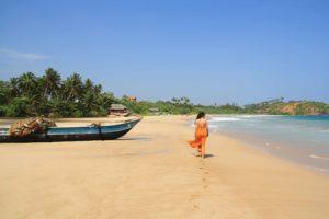 talalla beach walks paradise sri lanka