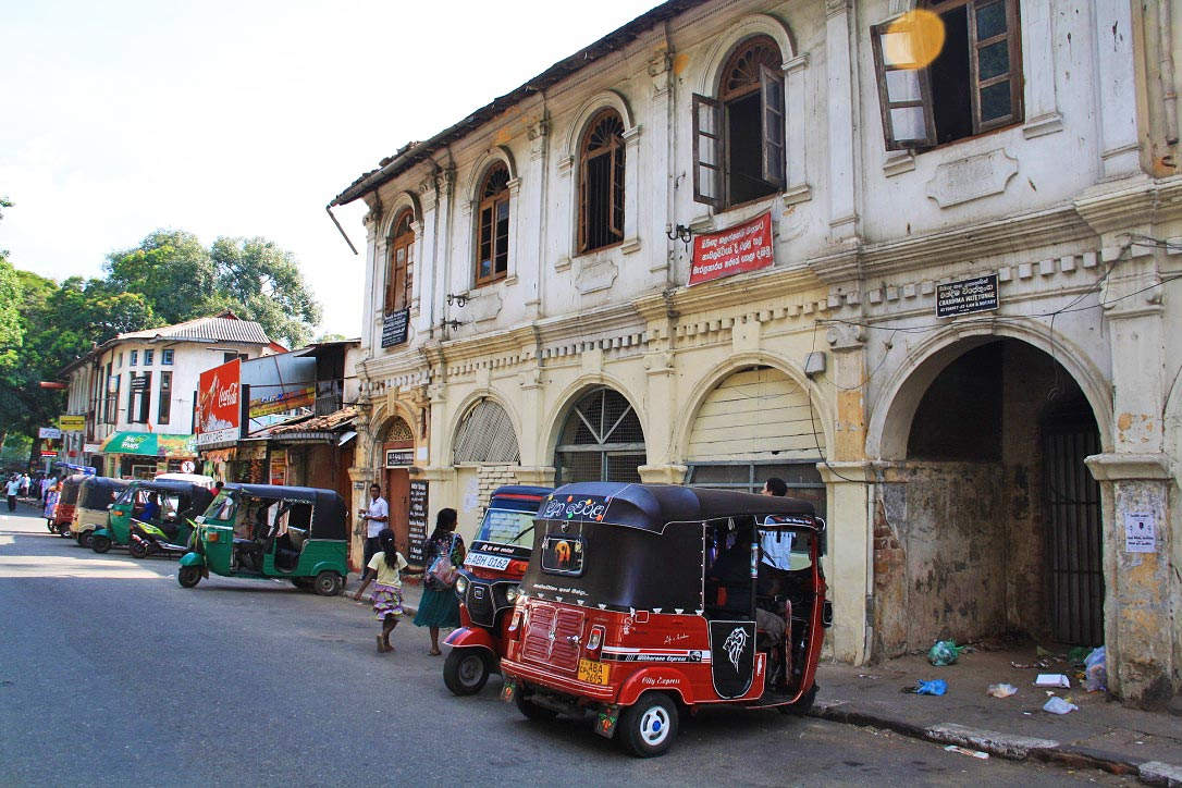 streets of kandy sri lanka