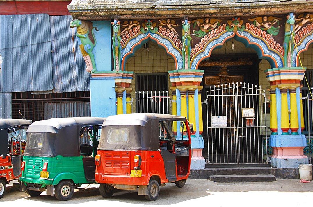 colombo streets hindu temple pettah sri lanka