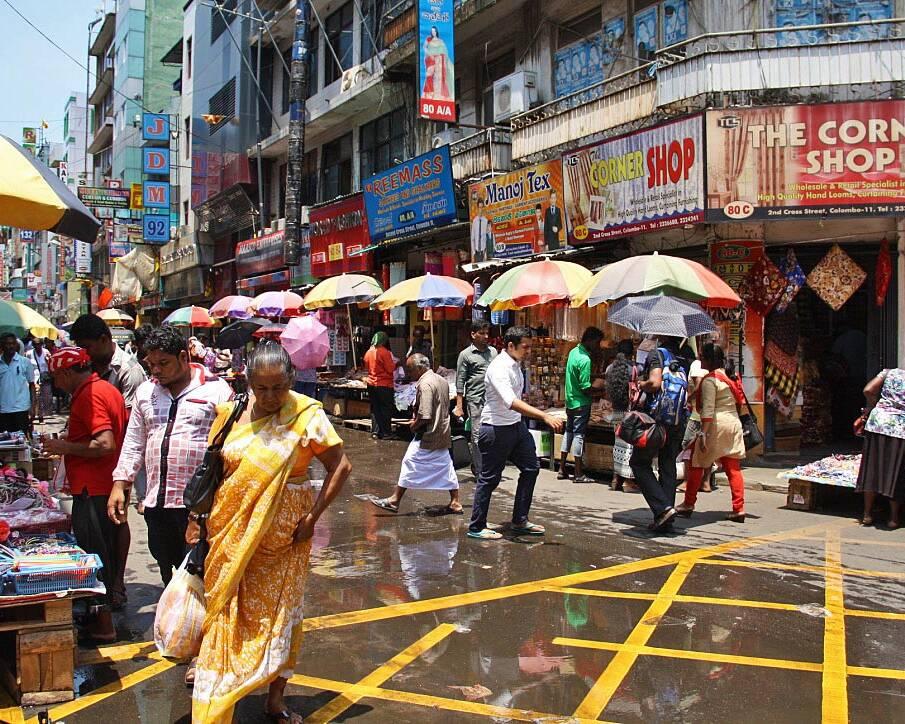 colombo streets pettah market sri lanka