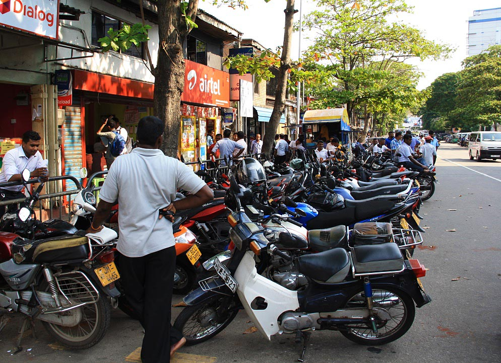 Motorbikes in Colombo