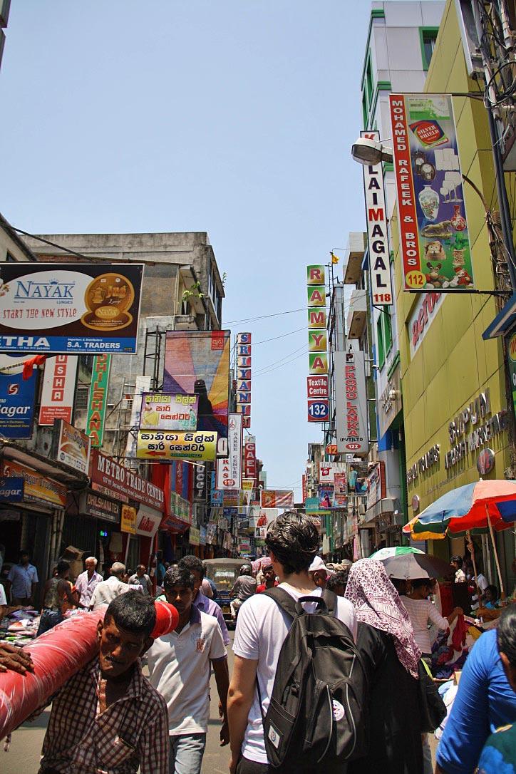 streets pettah market colombo sri lanka