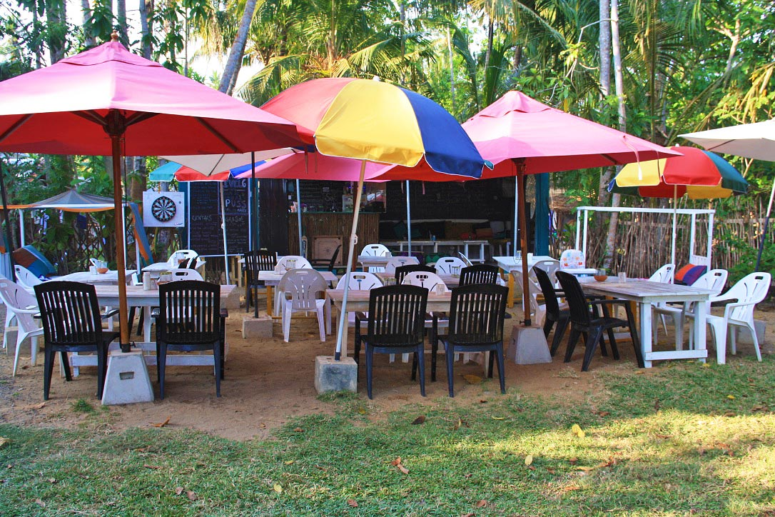 beach bar restaurant dots bay house sri lanka hiriketiya