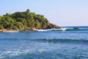 surfing point break hiriketiya bay sri lanka