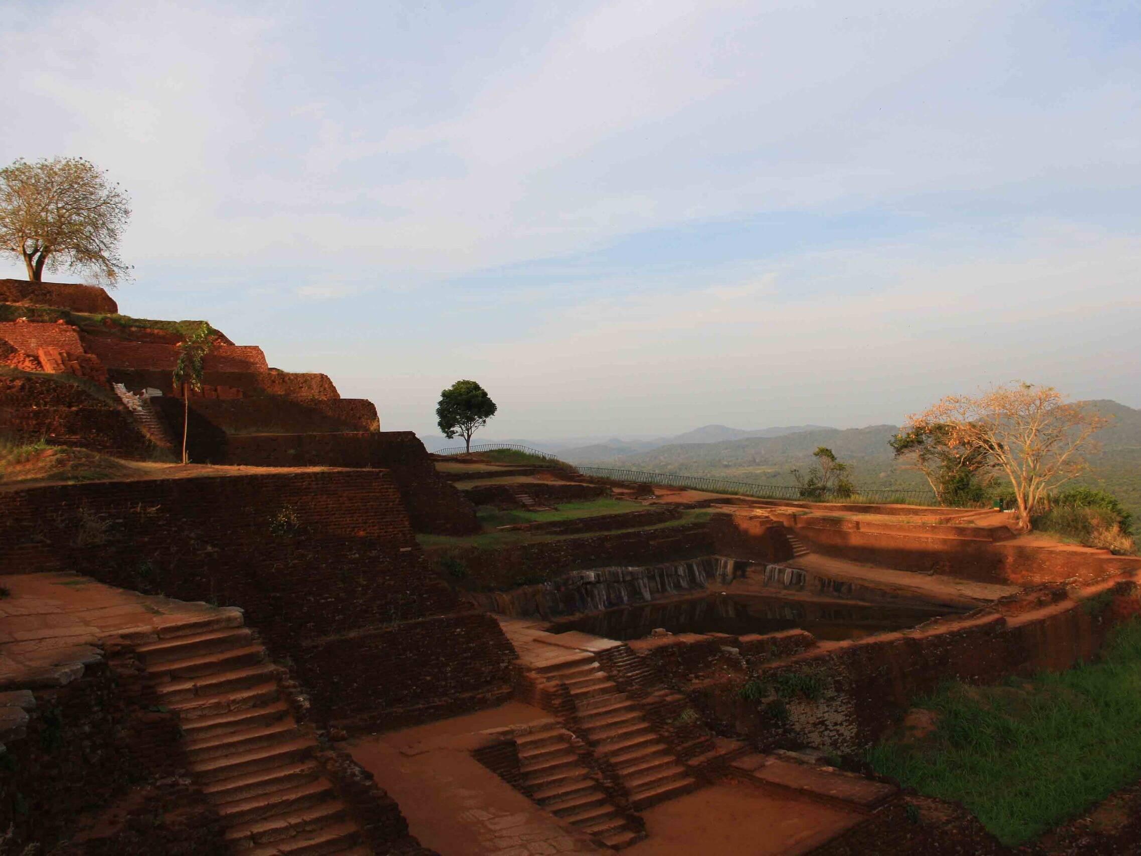 rock fortress sigiriya unesco heritage site sri lanka